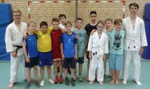 Gruppenbild mit einem Teil der Judo-AG